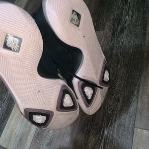 "Nike Shoes - Kyrie 3 ""black ice"""